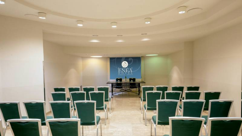 hotel-enea-aprilia-meeting-01