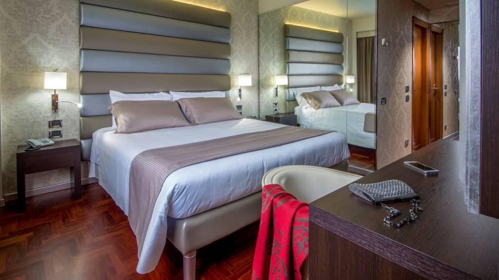 hotel-enea-pomezia-rooms-07